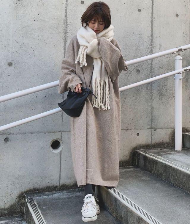 2020年1月のファッショントレンド:大判フリンジストール
